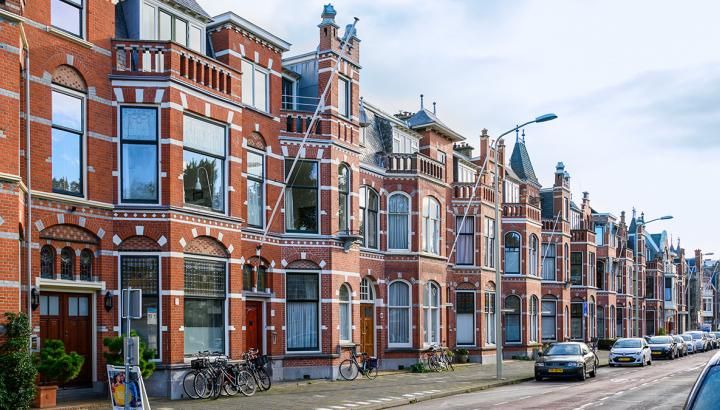 brick townhouses in Statenkwartier